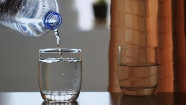 Mùa thu này, hãy bỏ ra 1 phút thải độc cho gan bằng 5 loại nước quen thuộc, cực dễ làm - Ảnh 2.