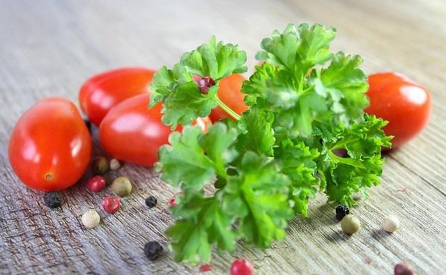 Thứ rau luôn sẵn có trong nhà bếp này không chỉ là gia vị ngon mà còn cực hữu ích để chữa bệnh vào mùa se lạnh - Ảnh 4.