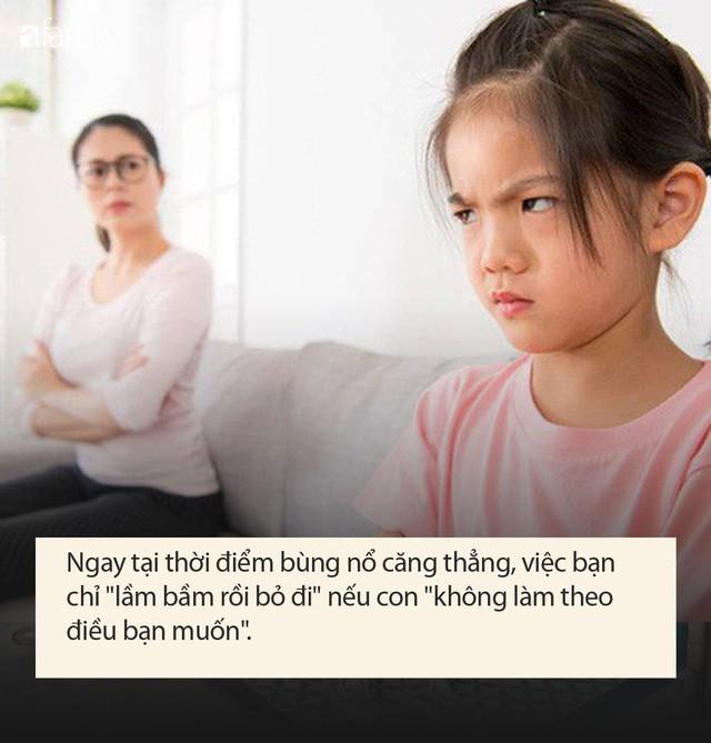 Tác giả cuốn sách Những tin tốt về hành vi xấu cho biết: Quát mắng hay phạt con xưa rồi, cha mẹ hiện đại nên biết cách xử lý này - Ảnh 2.