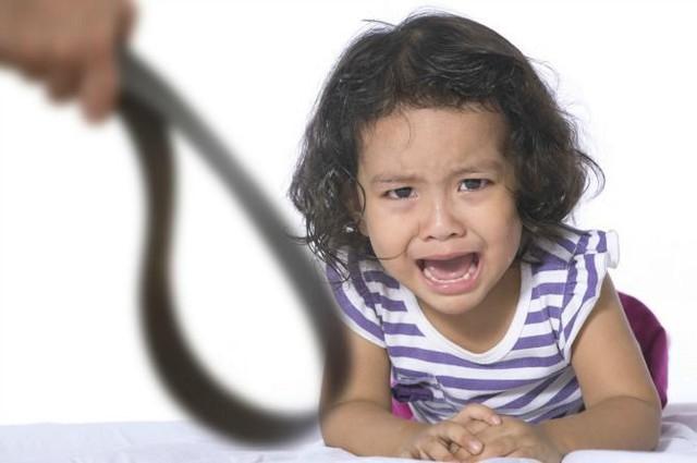 Tác giả cuốn sách Những tin tốt về hành vi xấu cho biết: Quát mắng hay phạt con xưa rồi, cha mẹ hiện đại nên biết cách xử lý này - Ảnh 3.