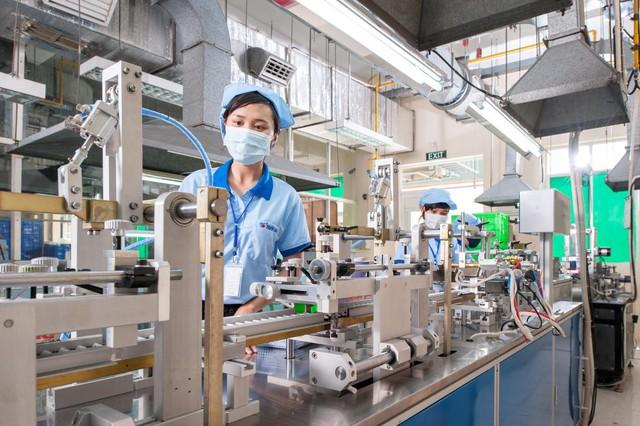 Ông chủ bút bi Thiên Long: Cơ nghiệp nghìn tỷ dựng nên từ 2 chỉ vàng, 1 chiếc xe đạp cà tàng và chuỗi ngày bán bút dạo khắp các sạp báo ở Sài Gòn - Ảnh 2.  Ông chủ bút bi Thiên Long: Cơ nghiệp nghìn tỷ dựng nên từ 2 chỉ vàng, 1 chiếc xe đạp cà tàng và chuỗi ngày bán bút dạo khắp các sạp báo ở Sài Gòn ong co gia tho 4 1569727450289191565639