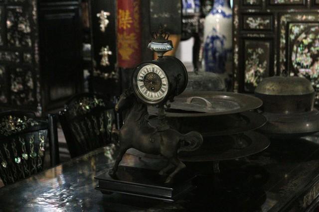 Độc đáo chiếc giường cổ có giá bạc tỷ ở Đồng Tháp - Ảnh 16.