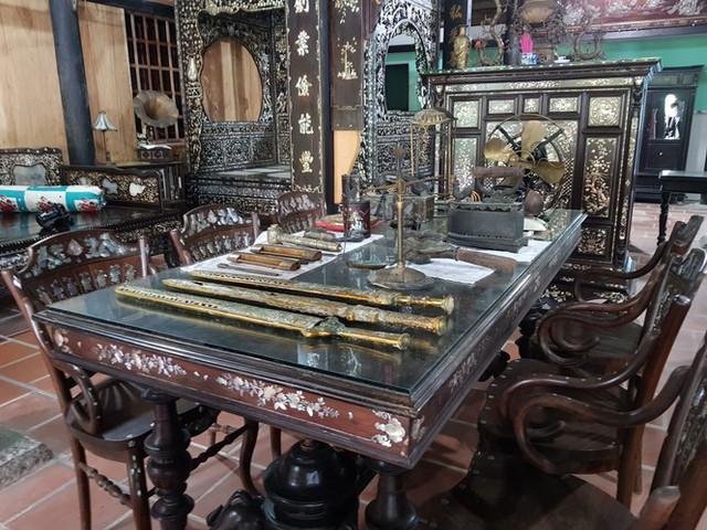 Độc đáo chiếc giường cổ có giá bạc tỷ ở Đồng Tháp - Ảnh 8.