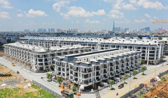 Nhà thấp tầng nhiều dự án khu đô thị tại khu Nam và khu Đông Sài Gòn thiết lập mặt bằng giá mới, tăng trên 30% sau 1 năm - Ảnh 1. Nhà thấp tầng nhiều dự án khu đô thị tại khu Nam và khu Đông Sài Gòn thiết lập mặt bằng giá mới, tăng trên 30% sau 1 năm Nhà thấp tầng nhiều dự án khu đô thị tại khu Nam và khu Đông Sài Gòn thiết lập mặt bằng giá mới, tăng trên 30% sau 1 năm 5 1567478159427307139931