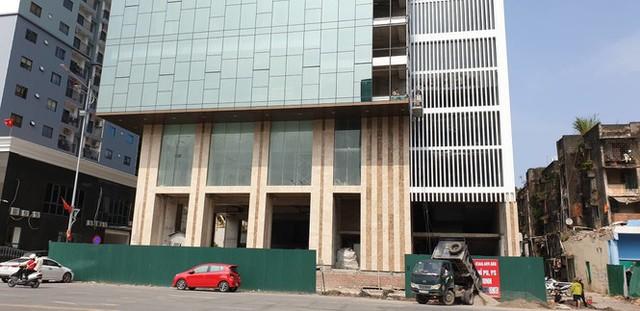 Quảng Ninh lúng túng xử lý cao ốc xây vượt phép 5 tầng - Ảnh 2. Quảng Ninh 'lúng túng' xử lý cao ốc xây vượt phép 5 tầng Quảng Ninh 'lúng túng' xử lý cao ốc xây vượt phép 5 tầng photo 1 15675841646611262255860