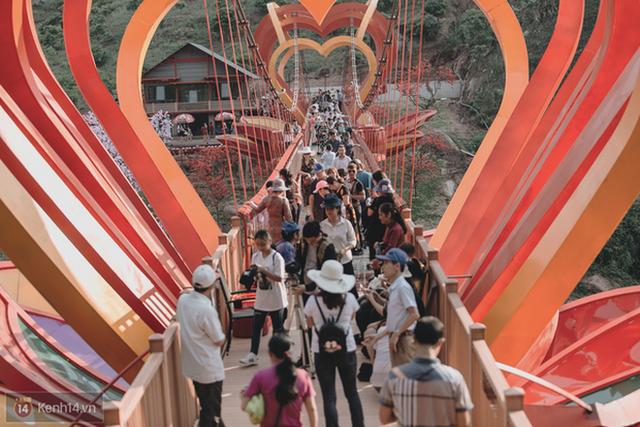 """3 cây cầu lùm xùm nhất Việt Nam 2019: """"Scandal đạo nhái"""" Cầu Vàng Đà Nẵng, sự cố chậm trễ cầu kính Sa Pa còn chưa gây sốc bằng cái tên cuối - Ảnh 14. 3 cây cầu lùm xùm nhất Việt Nam 2019: """"Scandal đạo nhái"""" Cầu Vàng Đà Nẵng, sự cố chậm trễ cầu kính Sa Pa còn chưa gây sốc bằng cái tên cuối 3 cây cầu lùm xùm nhất Việt Nam 2019: """"Scandal đạo nhái"""" Cầu Vàng Đà Nẵng, sự cố chậm trễ cầu kính Sa Pa còn chưa gây sốc bằng cái tên cuối photo 13 1567562147551194197567"""