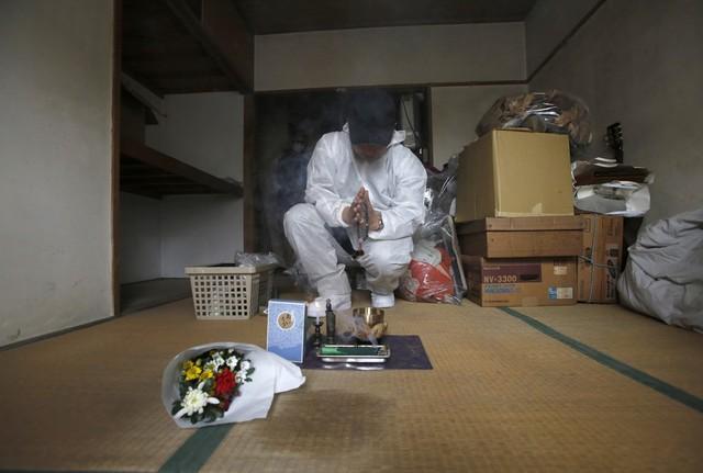 Nhật Bản: Dọn dẹp nhà cửa cho những xác chết cô độc với lương tháng trăm triệu nhưng không mấy ai dám làm - Ảnh 4.