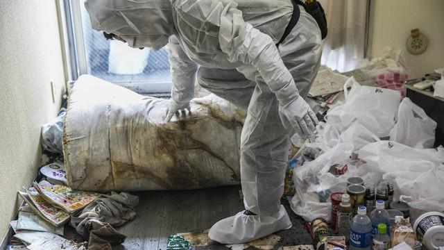 Nhật Bản: Dọn dẹp nhà cửa cho những xác chết cô độc với lương tháng trăm triệu nhưng không mấy ai dám làm - Ảnh 6.
