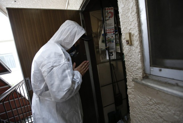 Nhật Bản: Dọn dẹp nhà cửa cho những xác chết cô độc với lương tháng trăm triệu nhưng không mấy ai dám làm - Ảnh 7.
