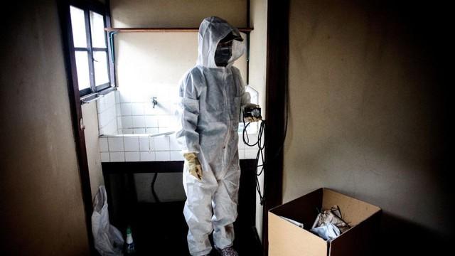 Nhật Bản: Dọn dẹp nhà cửa cho những xác chết cô độc với lương tháng trăm triệu nhưng không mấy ai dám làm - Ảnh 9.