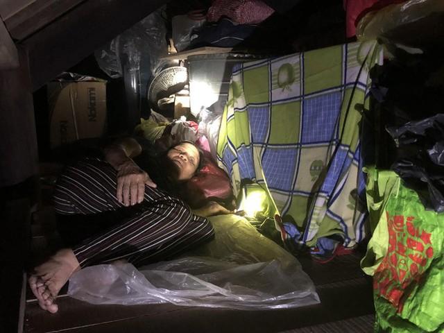 Cơ cực cuộc sống ở vùng lũ: Ba đêm thức trắng trên gác nhà chờ nước rút - Ảnh 11.