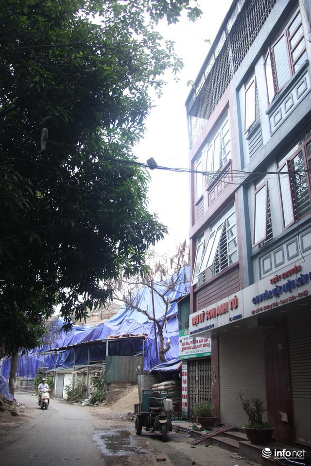 Sau vụ cháy Công ty Rạng Đông: Người bán nhà, kẻ đi ở tạm, hàng quán đóng cửa - Ảnh 6.