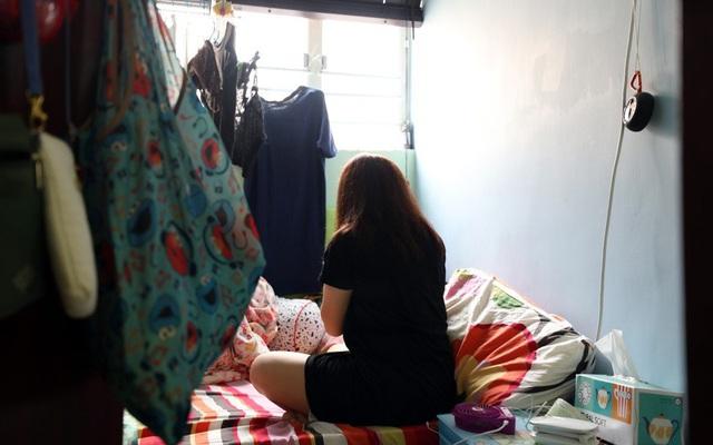 Cuộc sống của người nghèo Hồng Kông: Không thu nhập, mất đi cơ hội việc làm vì biểu tình liên miên, lạc lõng trong một thành phố tráng lệ và phồn hoa - Ảnh 2.
