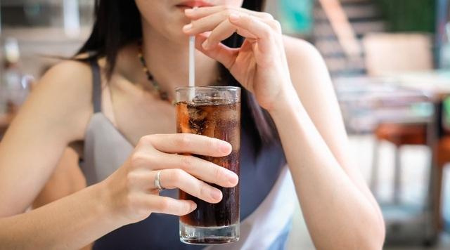 4 loại đồ uống gây bệnh mãn tính trẻ em nào cũng thích, nguy hiểm đến nỗi bác sĩ nhi khoa phải liệt vào danh sách đen - Ảnh 1.