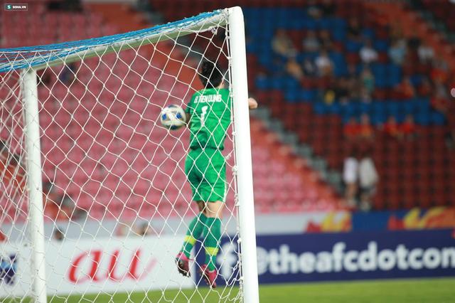 Bùi Tiến Dũng sai lầm chết người, U23 Việt Nam bị loại trong tột cùng tủi hổ - Ảnh 4.
