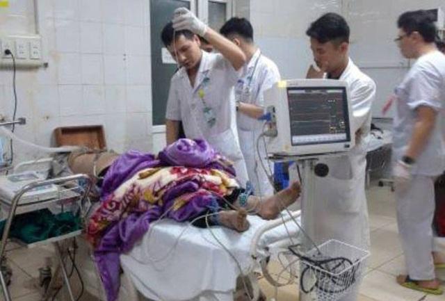 Vụ cháy tòa nhà dầu khí ở TP Thanh Hóa: Thêm 1 người chết, 3 cảnh sát PCCC nhập viện - Ảnh 1.