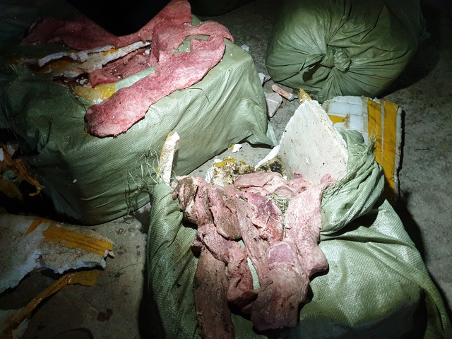 Tạm giữ hàng trăm kg hạt hướng dương do Trung Quốc sản xuất không có hóa đơn chứng từ - Ảnh 2.