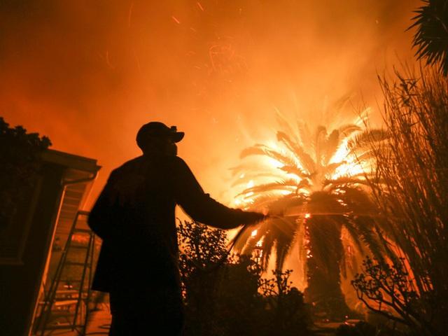 Phi hành gia NASA chia sẻ hình ảnh cháy rừng đại thảm họa nước Úc từ vũ trụ: Chỉ vài tấm ảnh thôi là đủ để thấy tình trạng đau lòng đến mức nào - Ảnh 5.