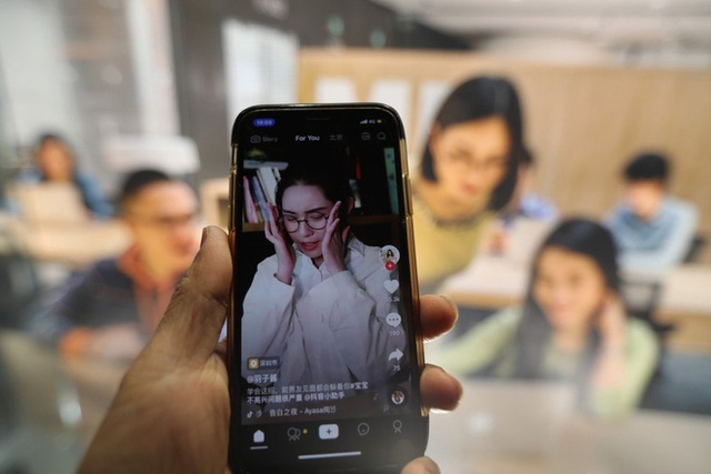 Thâm nhập lò dạy làm giàu bằng TikTok tại Trung Quốc - Ảnh 1.