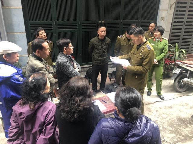 Tóm gọn 15.000 bao 3 số có dấu hiệu nhập lậu tại Hà Nội - Ảnh 1.