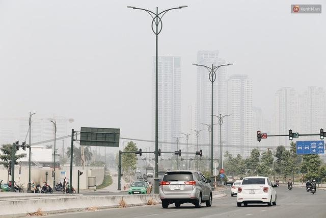 Toà nhà cao nhất Việt Nam mờ ảo trong bụi mù, Sài Gòn tiếp tục bị ô nhiễm nặng những ngày giáp Tết  - Ảnh 19.