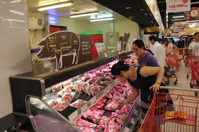 Chưa nghỉ tết, siêu thị đã đông nghẹt người - Ảnh 11.