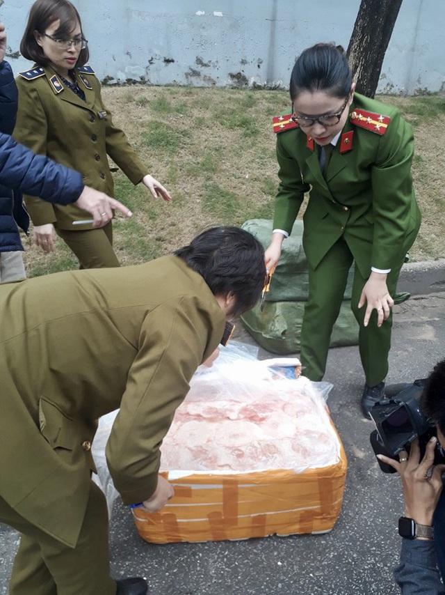 Nguồn thực phẩm cấp đông vào siêu thị ở Hà Nội có an toàn? - Ảnh 1.