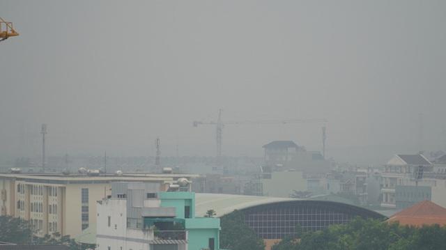 Thủ phạm gây ô nhiễm không khí, trắng đục bầu trời tại TP HCM  - Ảnh 3.