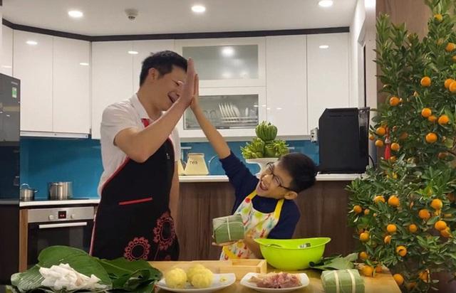Lần đầu lộ diện con trai của Shark Hưng, vẻ ngoài của cu cậu mới là tâm điểm gây sốt - Ảnh 8.
