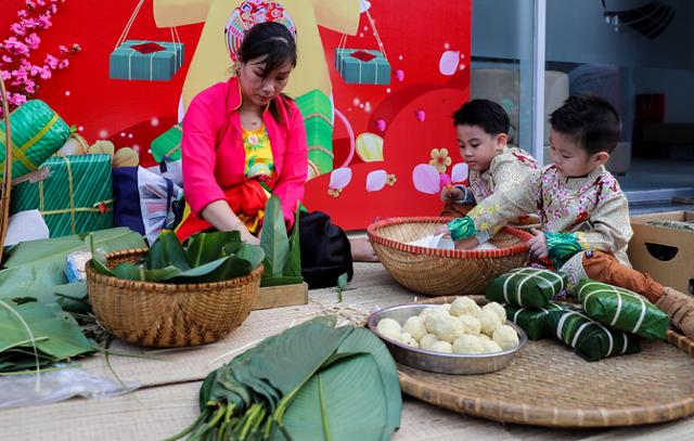 Rộn ràng Tết Việt ở chung cư, khu đô thị - Ảnh 4.