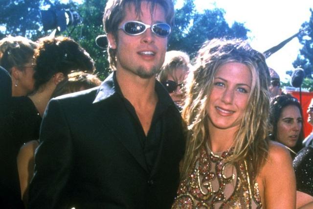 Brad Pitt - Jennifer Aniston: Chuyện tình khiến thế giới ghen tị kết thúc vì ồn ào ngoại tình, sau 15 năm gặp lại ánh mắt vẫn như xưa  - Ảnh 2.
