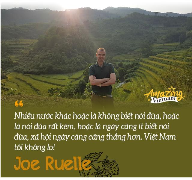 Joe Ruelle – Mr Dâu Tây: Tiếng Việt giống bánh chưng, mỗi miếng nhỏ đều cực kỳ nhiều calo! - Ảnh 2.