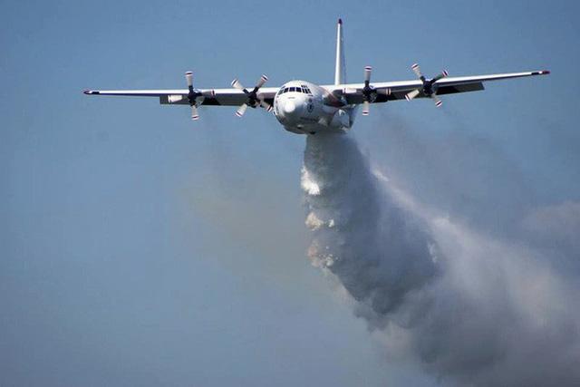 Úc: Rơi máy bay chữa cháy, 3 người Mỹ tử nạn  - Ảnh 1.