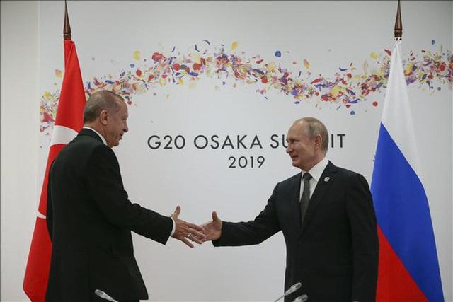 Ngả mũ trước Tổng thống Putin  - Ảnh 3.