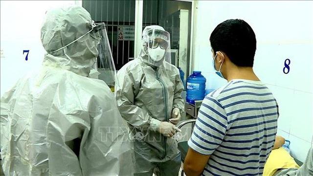 Phó thủ tướng: Kích hoạt trung tâm khẩn cấp của Bộ Y tế để đối phó virus corona, kiên quyết không để dịch lây lan - Ảnh 5.