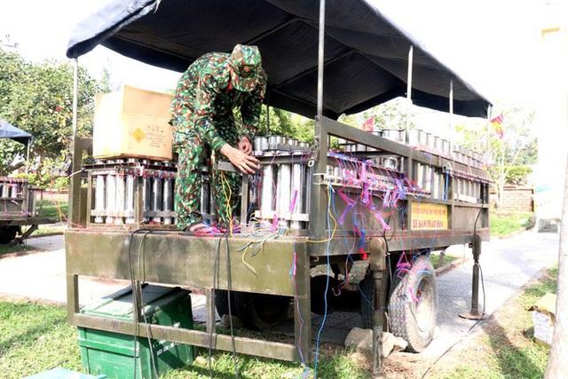 Tận mục 'trận địa pháo hoa tại di tích Cầu Ngói Thanh Toàn - Ảnh 8.