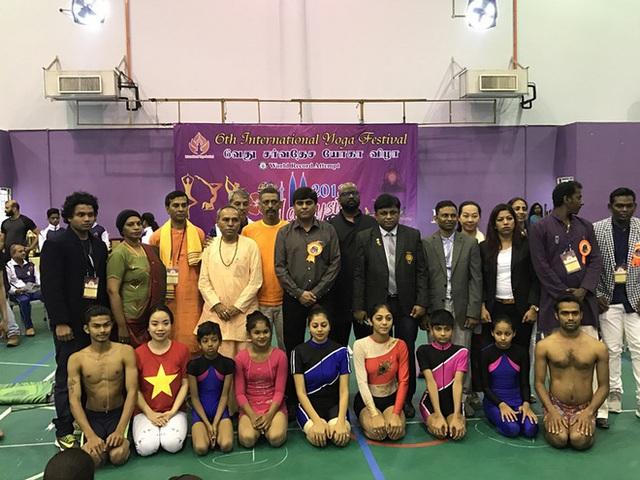 Câu chuyện đời thay đổi khi ta thay đổi của cô gái vàng Yoga VN: Bài học từ thủ tướng Ấn Độ - Ảnh 3.
