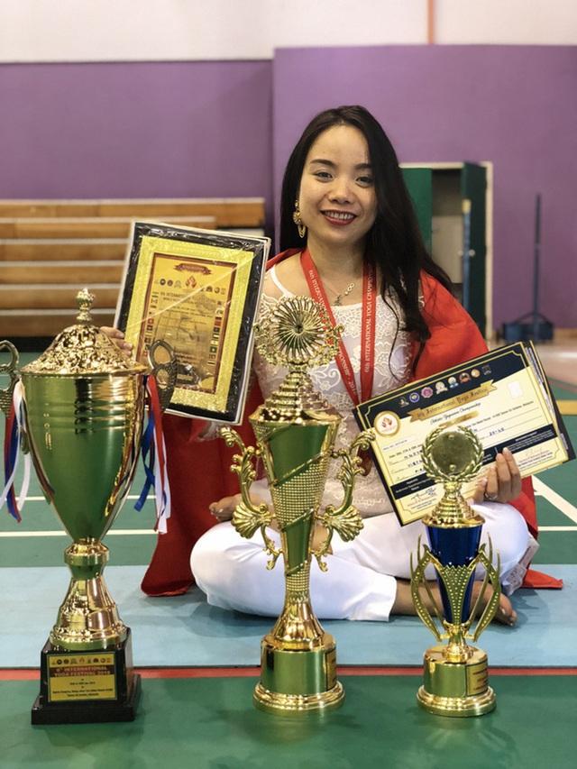 Câu chuyện đời thay đổi khi ta thay đổi của cô gái vàng Yoga VN: Bài học từ thủ tướng Ấn Độ - Ảnh 4.