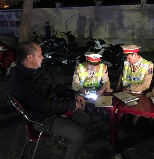 5 ngày nghỉ Tết, Nghệ An xử phạt 49 trường hợp vi phạm nồng độ cồn  - Ảnh 1.