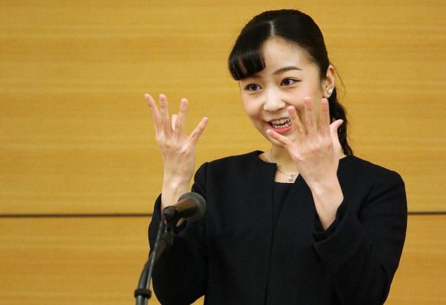 Hai nàng công chúa Nhật Bản gây chú ý với hai hình ảnh khác nhau một trời một vực: Người tỏa sáng rạng ngời, người ngày càng gây thất vọng - Ảnh 5.