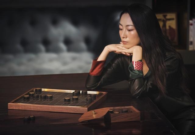 Nhà thiết kế Châu Âu thổi hồn đương đại vào sơn mài Việt cho giới thượng lưu  - Ảnh 1.