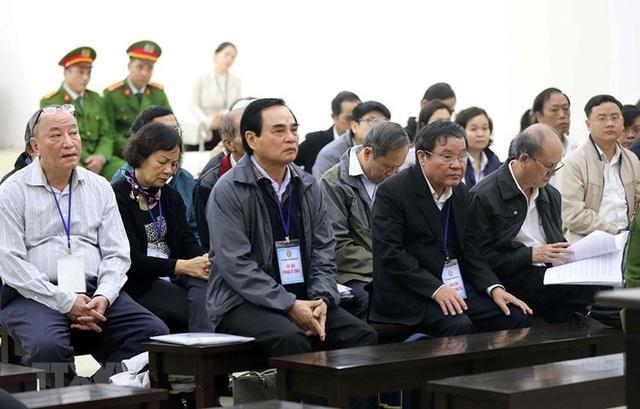 Cựu Tổng GĐ cty ở Đà Nẵng: Ông Nguyễn Bá Thanh và Trần Văn Minh gọi điện bảo bán nhà đất cho Vũ nhôm - Ảnh 1.