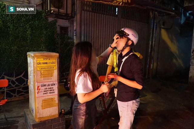 Bị CSGT dừng xe kiểm tra nồng độ cồn, đôi nam nữ phóng xe tháo chạy gây tai nạn trên đường phố Sài Gòn - Ảnh 3.
