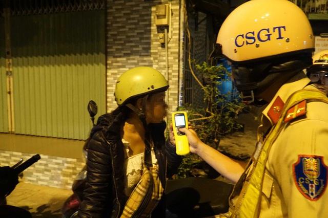 Dân nhậu ở Sài Gòn sốc với mức phạt nồng độ cồn mới - Ảnh 5.