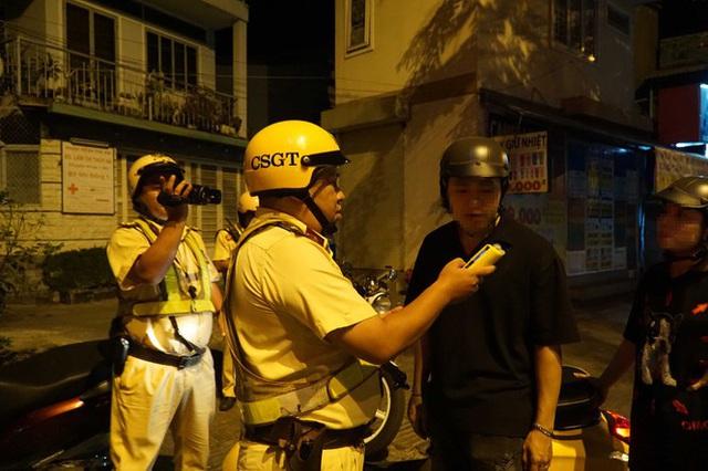 Dân nhậu ở Sài Gòn sốc với mức phạt nồng độ cồn mới - Ảnh 9.