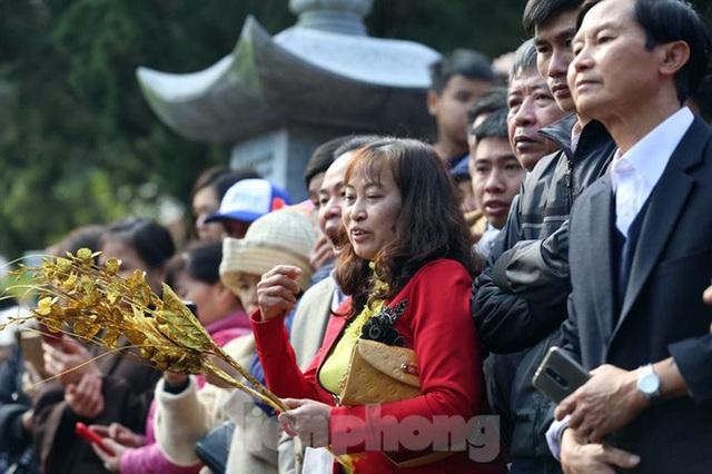 Biển người du xuân, vãn cảnh ngày khai hội chùa Hương - Ảnh 13.