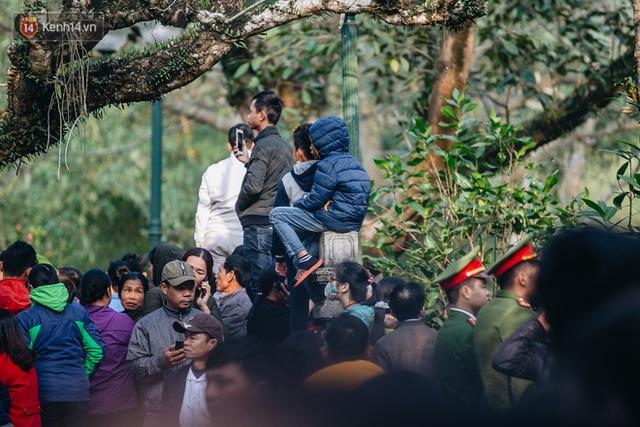 Hà Nội: Tướng bà 10 tuổi được rước bằng kiệu, bảo vệ nghiêm ngặt tránh bị bắt cóc - Ảnh 22.