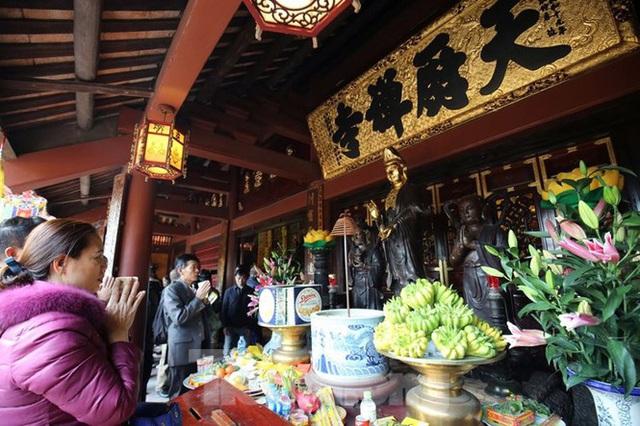 Biển người du xuân, vãn cảnh ngày khai hội chùa Hương - Ảnh 9.