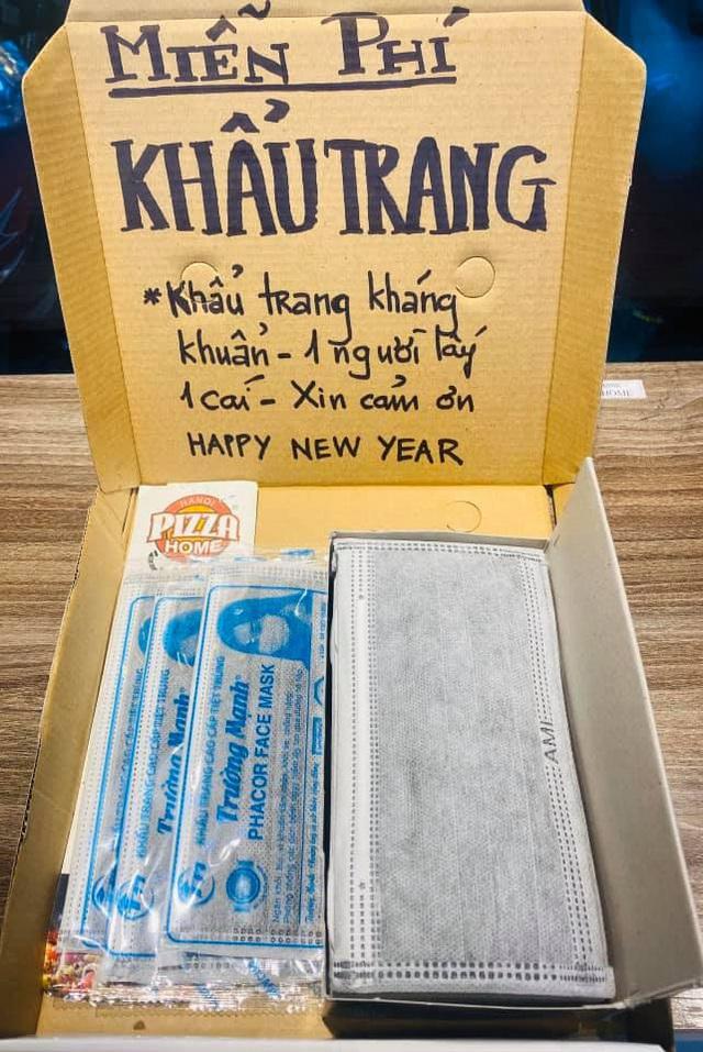 Động thái bất ngờ của loạt nhà hàng Hà Nội trước cơn bão virus corona - Ảnh 1.