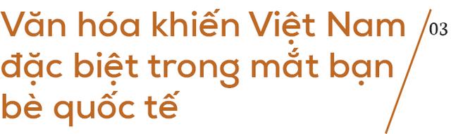 """""""Đánh rơi trái tim"""" ở Hà Nội 25 năm trước, người phụ nữ gốc Anh tâm sự: """"Nhiều người Việt không thể hiểu nổi, vì sao tôi sang đây và muốn sống trọn đời"""" - Ảnh 7."""